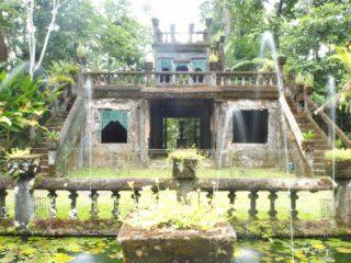 ケアンズの熱帯雨林&滝&「パロネラパーク」を巡るバスツアーの全貌!