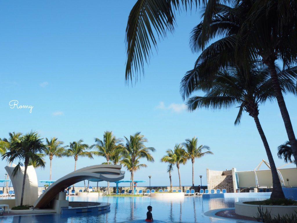 ホテル「H10 Habana Panorama」前の海