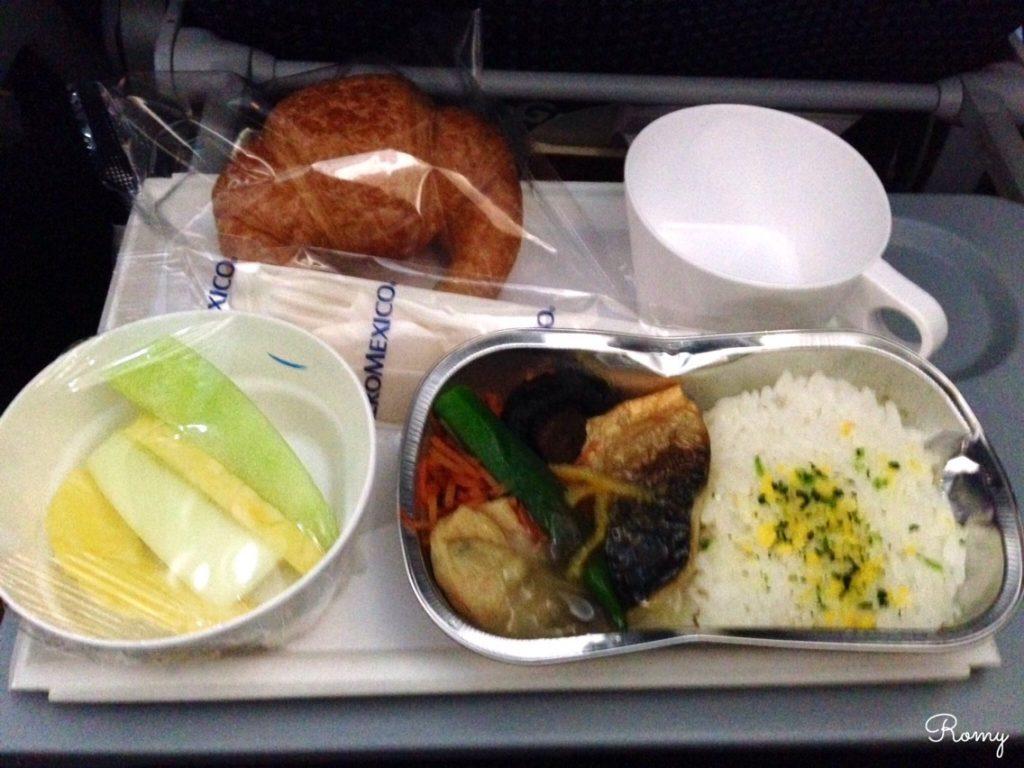 アエロメヒコ航空の機内食