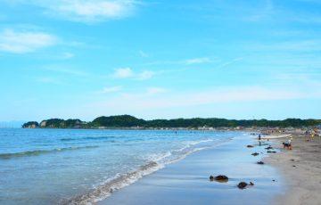 鎌倉・材木座海岸の海と空