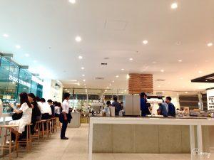 品川アトレ3階『ブルーボトルコーヒー品川カフェ』