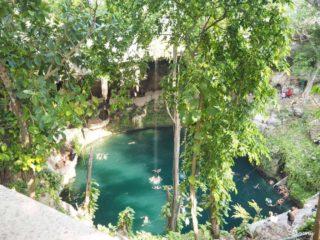 カンクンのマヤ遺跡「チチェン・イッツァ」ツアーで訪れた「セノーテ・イキル」は本当に神秘的で一見の...
