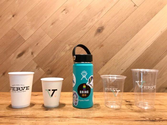 使い捨てカップとマイボトル