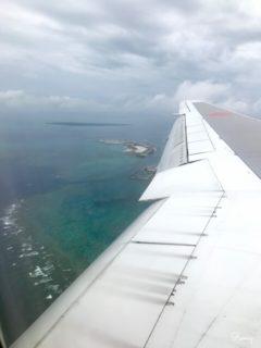 ANA機内から見た沖縄の海