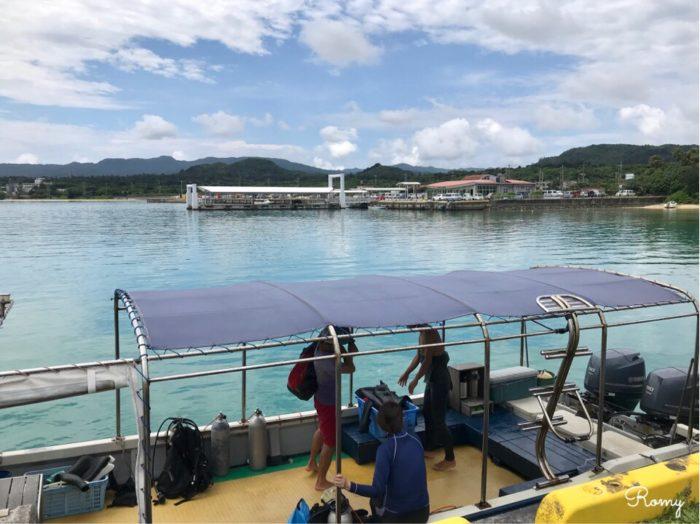 西表島の上原港からバラス島へスノーケリング