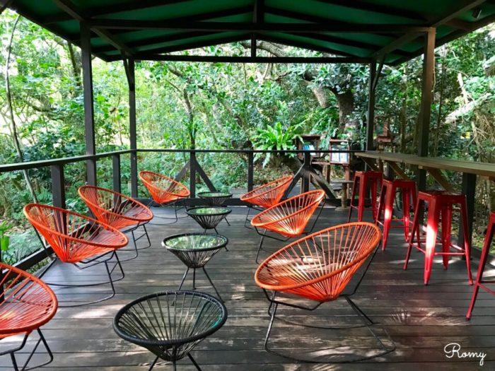 「ホテル ニラカナイ 西表島」のジャングルブックカフェ