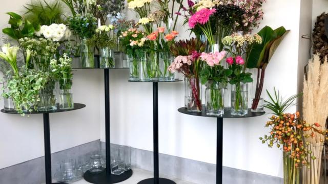 店内の花々